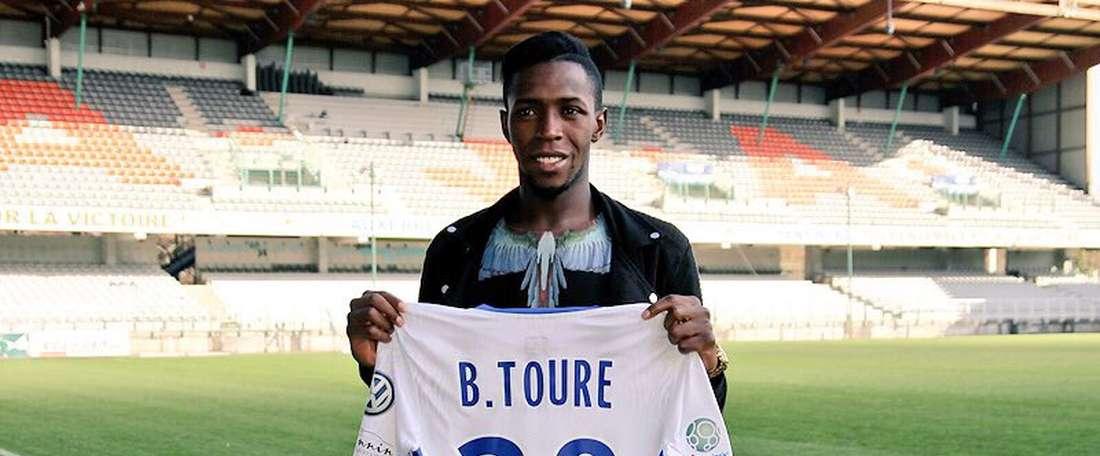 El centrocampista de Mali se marcha cedido al conjunto francés. Auxerre