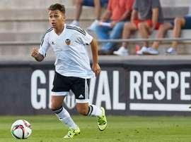 El centrocampista del Valencia Fran Villalba, durante un partido. ValenciaCF