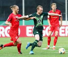 El Wolfsburgo sufre más de la cuenta ante un Tercera. Twitter/WfLWolfsburg