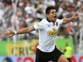 El chileno Esteban Pavez celebra un tanto esta temporada. Twitter