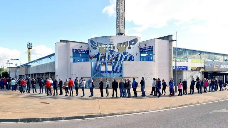 El club informó que prácticamente ha colgado el cartel de no hay billetes. Twitter/SDP_1922