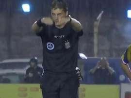 El colegiado suspendió el partido entre Atlanta y Platense. Captura/TyCSports