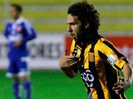 El defensa brasileño Fernando Martelli, celebra un gol con The Strongest. Twitter