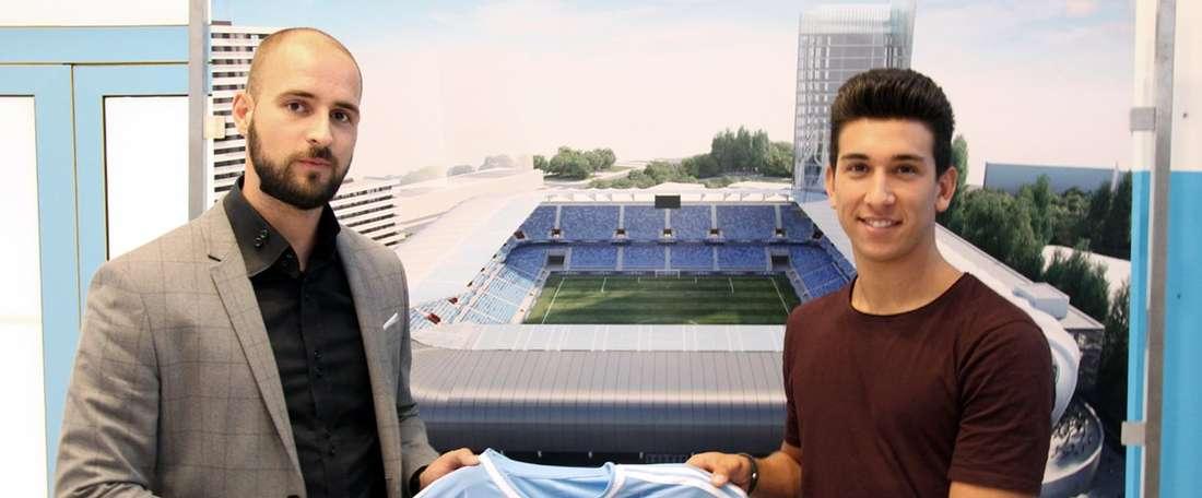 El defensor argentino Vernón de Marco, en su presentación como nuevo jugador del Slovan Bratislava. SKSlovan