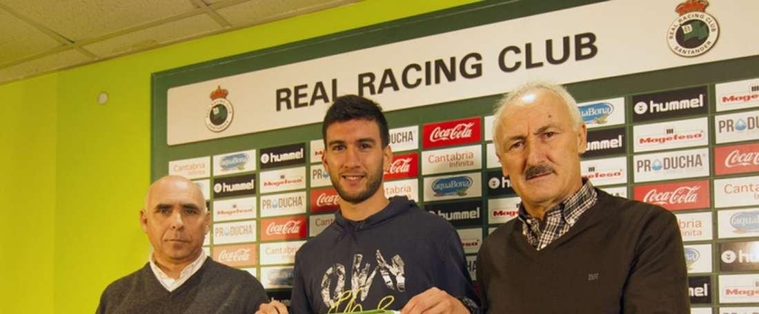 El delantero argentino Facundo Pumpido, en su presentación como nuevo jugador del Racing de Santander. RealRacingClub