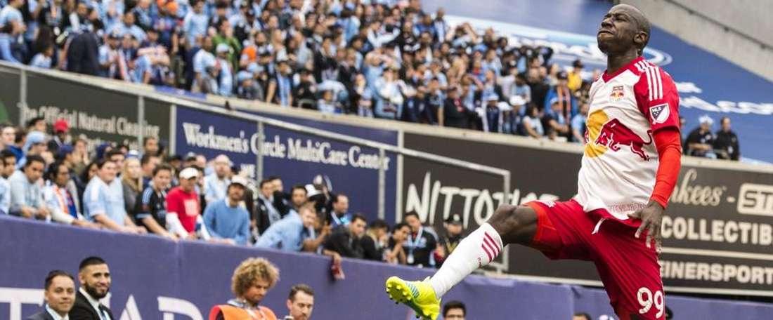 El delantero centro del New York Red Bull Bradley Wright-Phillips celebra su segundo gol al NY City, en la histórica goleada por 0-7 endosada al rival metropolitano. NewYorkRedBulls