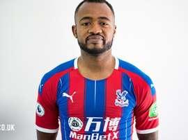 L'attaquant de 27 ans Jordan Ayew portant le maillot du Crystal Palace. EFE
