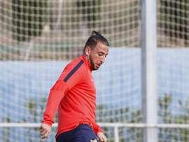 El delantero del Levante, Nabil Ghilas, en un entrenamiento del club valenciano. LevanteUD