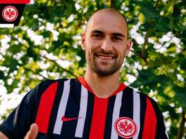 OFICIAL: Bas Dost, nuevo jugador del Eintracht de Frankfurt. Twitter/EintrachtFrankfurt
