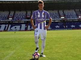El delantero serbio Dejan Drazic, en su presentación como nuevo jugador del Valladolid. RealValladolid