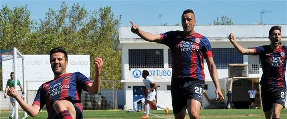 El conjunto portugués se hace con un centrocampista. Twitter