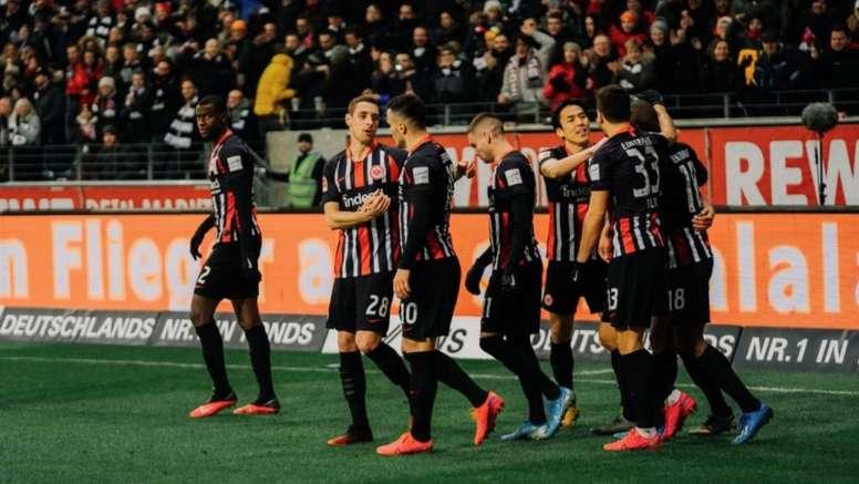 La plantilla del Eintracht ha pasado los test sin dar positivo. Twitter/Eintracht
