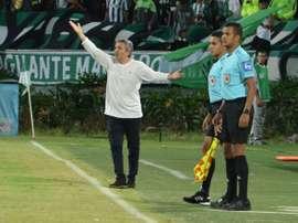 El técnico de Nacional recibió el apoyo de Bocanegra. AtléticoNacional