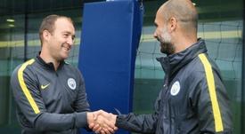 Nick Cushing, coach of Manchester City Women, with Pep Guardiola. ManCityWomen