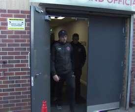 Barton trató de 'escaparse', pero le pillaron. SkySports