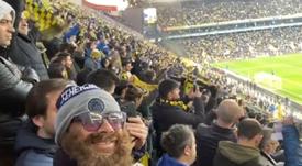 Lugano se disfrazó para ver el partido desde la grada. Twitter/DiegoLugano