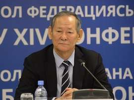 El ex jugador y entrenador Seilda Bayshakov, presidente del fútbol en Kazajistán. UEFA
