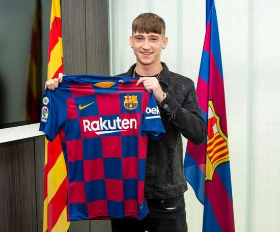 West Bromwich presse le Barça pour le transfert de Louie Barry. FCBMasia