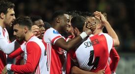 El Feyenoord sufre pero cumple ante el líder de Segunda. Feyenoord