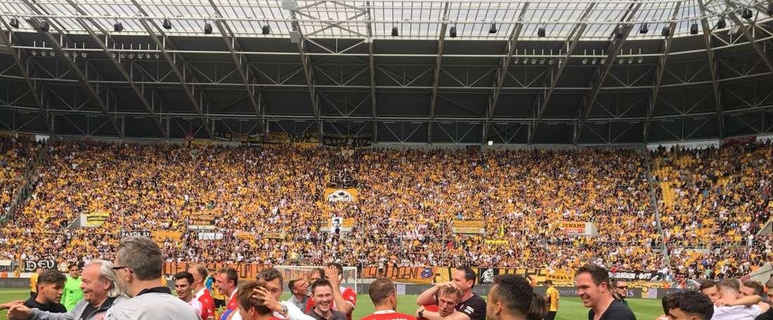Le club de Düsseldorf revient en première division cinq ans plus tard. Twitter/F95