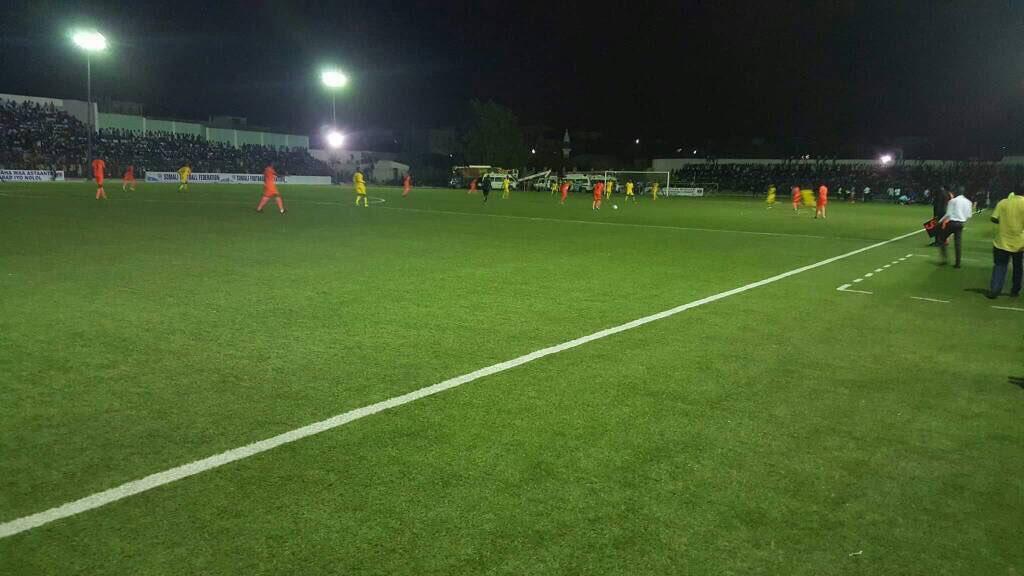 Un Partido Historico El Futbol Volvio A Jugarse De Noche En Somalia