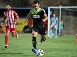 El futbolista argentino Nicolás Villafañe, en un partido con el AEZ Zakakiou de Chipre. EstudiantesDeMeridaFC