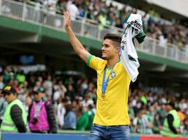 Yan Couto's transfer takes a turn: City doubles Barça's offer. Coritiba