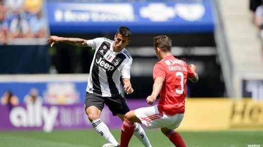 Grimaldo anotó uno de los golazos de este partido. Twitter/juventusfc