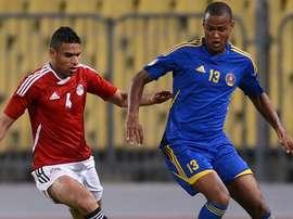 El futbolista de Suazilandia, Barry Steenkamp, en un partido internacional contra Egipto. FIFA