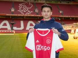 O Bayern de Munique dá uma oportunidade a Nicolas Kühn. Ajax