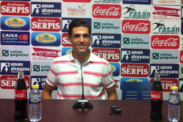 El futbolista del Alcoyano, Fran Miranda, en rueda de prensa. CDAlcoyano