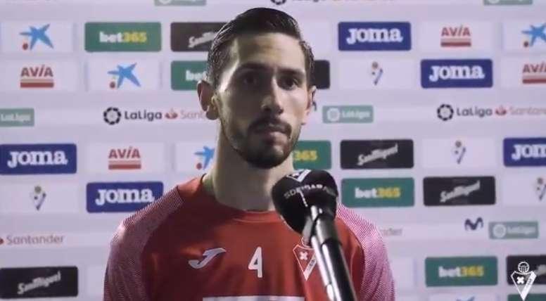 Paulo Oliveira atendió a los medios tras el partido. Twitter/SDEibar