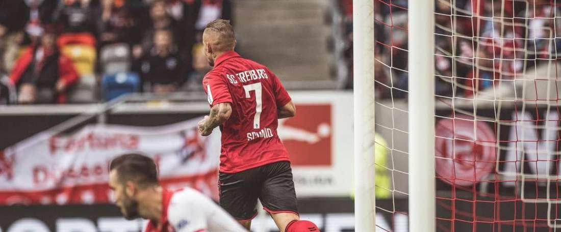 Freiberg saiu de Düsseldorf com os três pontos. Twitter/scfreiburg
