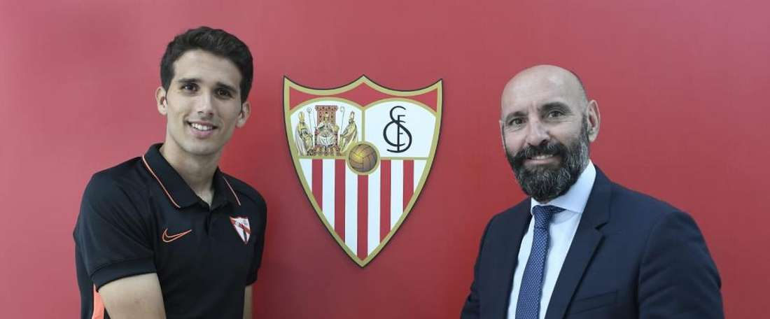Juan sera lié à Séville jusqu'en 2021. Twitter/CanteraSFC