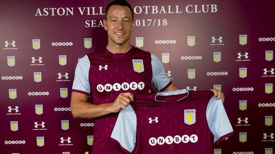 John Terry já não é jogador do Aston Villa. Twitter/AstonVilla