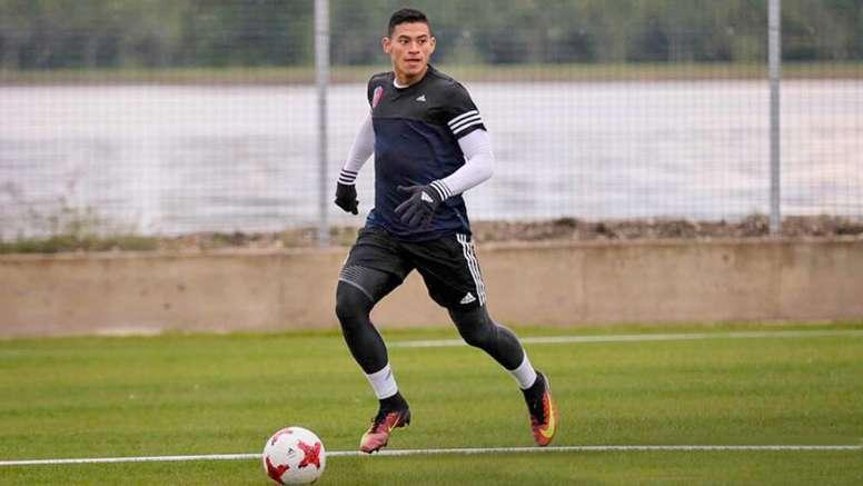 Ronald Hernández se va a Noruega. Stabak