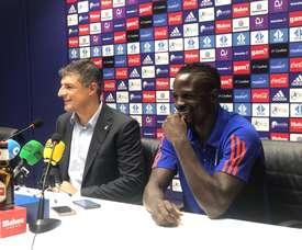 El keniano Mariga llega al Oviedo para progresar en el mejor fútbol del mundo. RealOviedo