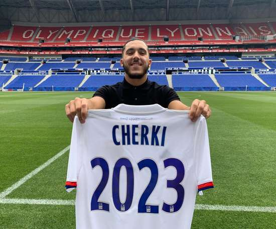 Cherki renewed his Lyon contract until 2023. Twitter/OL