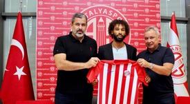Sangaré ya es del Antalyaspor. Twitter/Antalyaspor
