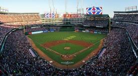 El Globe Life Park todavía no ha albergado ningún partido de fútbol. MLB