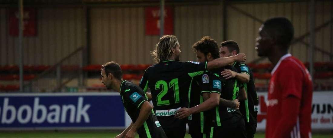 El primer partido amistoso del Granada terminó en empate. GranadaCF
