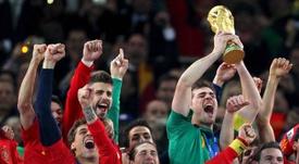 El pique de Casillas y Ramos, entre buenos amigos. EFE