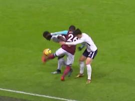 El increíble quiebro del defensa del West Ham. Captuira