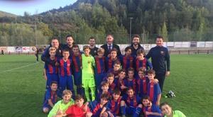 Sergi Milà recogió el premio junto a Óscar Hernández. FCBMasia