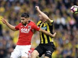 Alireza Jahanbakhsh, a la izquierda, es una de las estrellas de la Eredivisie. AFP