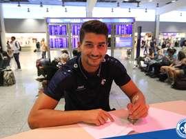 El jugador Antonio Mirko Colak, firma su contrato con el Darmstadt 98. Darmstadt 98