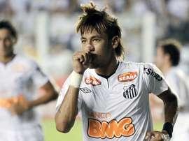 O dia em que Neymar liderou a goleada do Santos por 8 a 1. EFE