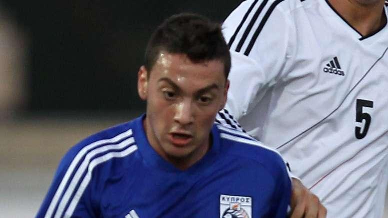 El jugador de 20 años Andreas Makris, durante un partido. AFP