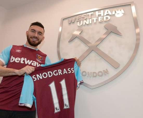 Snodgrass devrait donc rester à Aston Villa. WestHamUtd