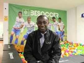 Diakité est venu nous rendre visite dans les bureaux de BeSoccer. BeSoccer
